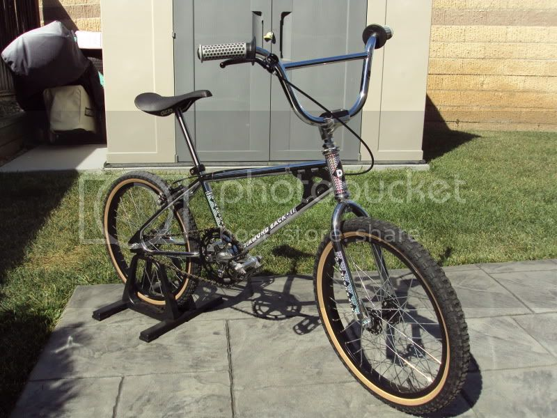 http://i576.photobucket.com/albums/ss207/shelloil23/Bikes/DSC01348.jpg