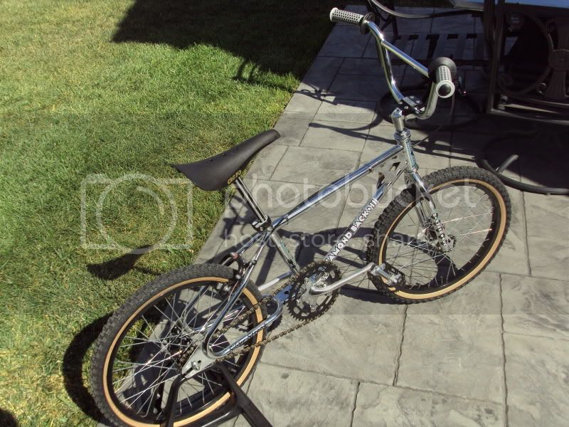 http://i576.photobucket.com/albums/ss207/shelloil23/Bikes/DSC01356.jpg